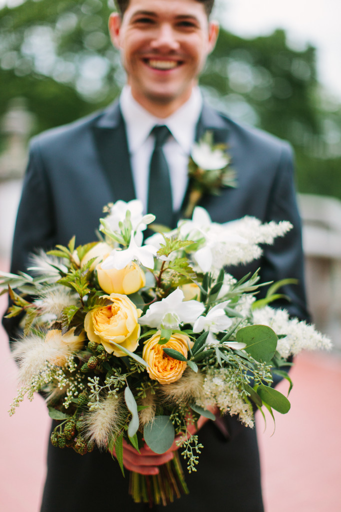 Frontier Flowers of Fontana designs gorgeous weddings at Villa Terrace in Milwaukee, Wisconsin.  Photography Graciously Provided by: m three studio
