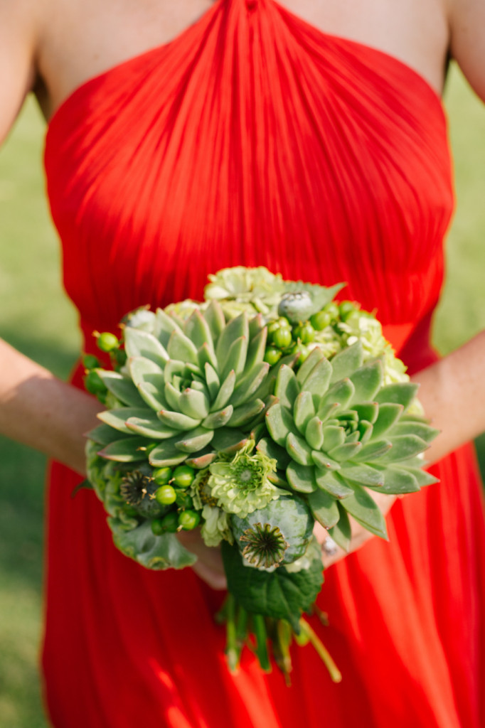 Frontier Flowers of Fontana designs lovely weddings at Big Foot Country Club in Fontana, Wisconsin. Photography Graciously Provided by: Laurelyn Savannah Photography
