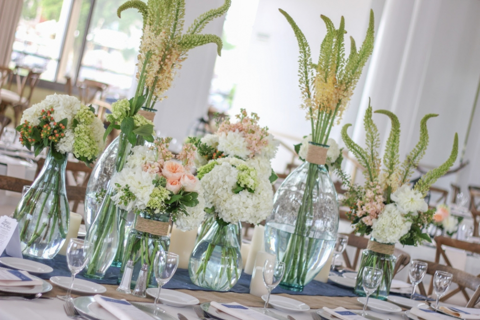 Frontier Flowers of Fontana designs gorgeous weddings at the Riviera Ballroom in Lake Geneva, Wisconsin